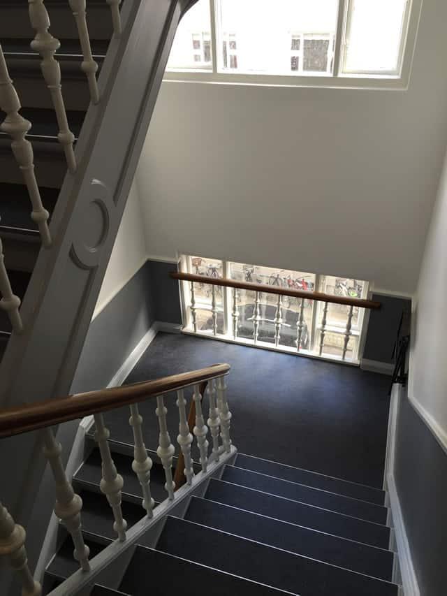 blå_trappeopgang