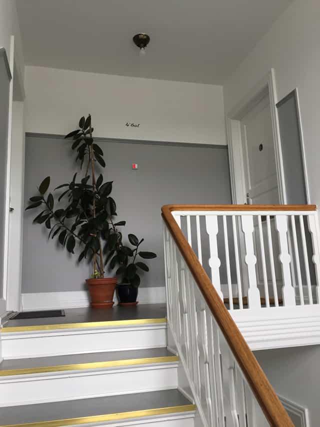 ny_trappeopgang_i_lejlighedskompleks_2