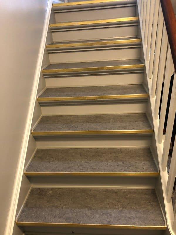 trappe_med_guld